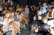 Dichtes Gedränge bei der Frühjahr/Sommer Kollektion von Marc Cain auf der Berliner Fashion Week.