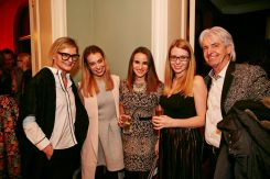 Hedi Grager, Liliana Klein, Lisa Wieser, Kristina Rausch, Reinhard Sudy (Fotos Nicholas Beutler und Michael Romacker)