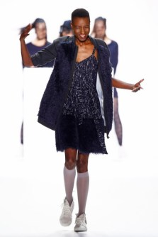 Anne Gorke auf der Mercedes-Benz Fashion Week Berlin (Photo by Peter Michael Dills/Getty Images) Model Nala Diagouraga