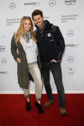 Thore Schšlermann und Jana Julie Kilka - Sportalm Fashion Show auf der Mercedes - Benz Fashionweek Berlin (Agency People Image (c) Jessica Kassner)