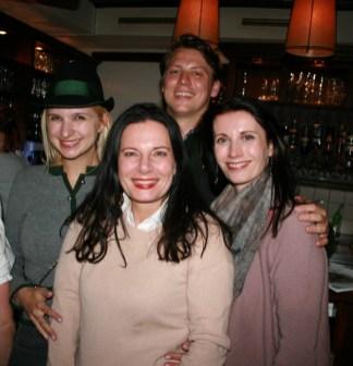 Franziska Grossauer, Matthias Iberer, Carina Harbisch mit Freundin (Foto Christina Dow)