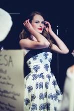 Lena Hoschek backstage vor ihrer Show auf der Mercedes Benz Fashion Week Berlin (Foto Lupi Spuma Fine Photography)