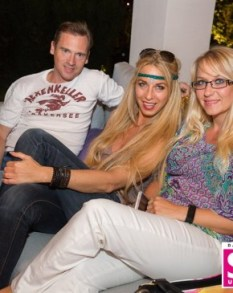 Yvonne Rueff mit ihrem Mann Robert und ihrer besten Freundin Stefannie - STYLE UP YOUR LIFE! Sommerfest OBEGG 26. (Foto STYLE UP YOUR LIFE/Moni Fellner)