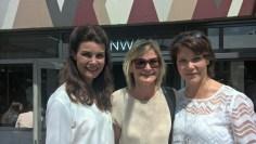 Hedi Grager (Mitte) mit den beiden sympathischen Schauspielerinnen und MINX-Fans Nicola Tiggeler und Janina Hartwig - MINX by Eva Lutz - Mercedes Benz Fashon Week Berlin