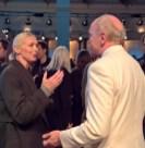 Vogue-Chefin Christiane Arp im Gespräch mit dem Vater von Marina Hoermanseder (Foto Hedi Grager)