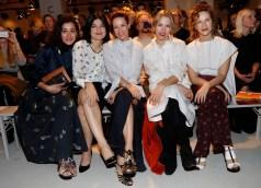 Dorka Gryllus, Jasmin Tabatabei, Alexandra Neldel, Julia Dietze und Chiara Schoras auf der Show von Dorothee Schumacher (Foto Getty Images)