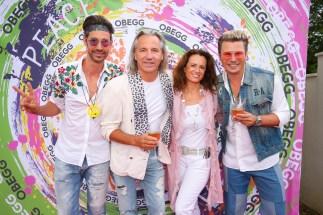 Michael Lameraner und Adi Weiss mit Ausnahmekünstler VOKA - OBEGG Sommerfest von Adi Weiss und Michael Lameraner (Foto Moni Fellner)