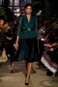 Lena Hoschek Fashion Show im Rahmen der MBFW Berlin im Botanischen Garten (Foto Getty Images)