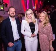 MADONNA Blogger Award 2019: BM Schramböck mit Jenny Magin und Niki Fellner (Foto Moni Fellner)