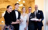 Präsentation der Krönchen für die Opernredoute 2020 - Eva Poleschinski, Enzo und Larissa Robitschko, Klaus Weikhard und Bernd Pürcher (Foto Marija Kanizaj)