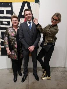 Ausstellung des Künstlers Alessandro Painsi in Los Angeles. Sonja und Lukas Wilfling, Appletinies mit Journalistin Hedi Grager (Photo Reinhard Sudy)