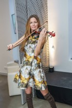 VIP-Eröffnung des Real Beauty Vienna Schönheitssalons: Musikerin Celine Roschek (Foto Andreas Tischler)