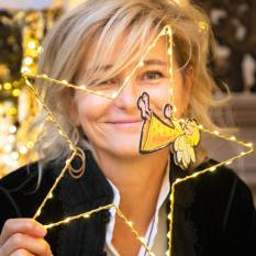 Geschenkanhänger Gerti ist bei SCHULLINs Geschenke erhältlich. Anne Marie Schullin-Legenstein. (Foto Jorj Konstantinov)