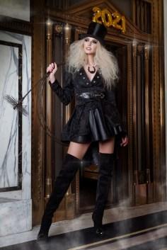Starfotograf Manfred Baumann shootete Miss Vienna & Model Beatrice Körmer zum Jahreswechsel als Glücksbringer. (Foto Manfred Baumann)