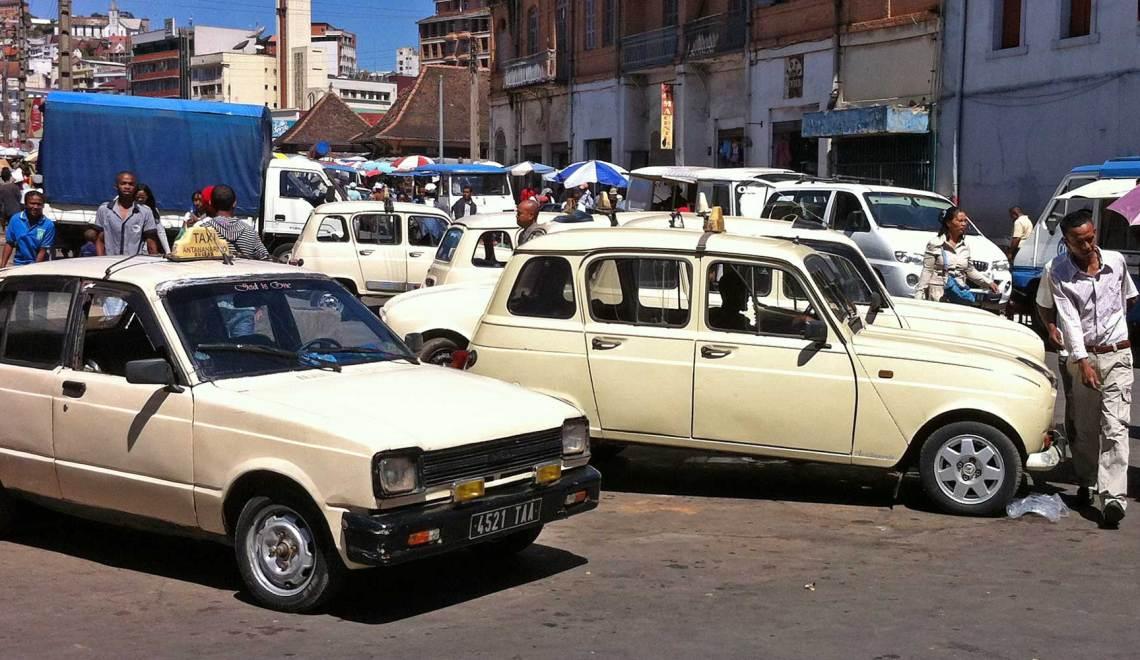 Taxi-brousse - Gare routière