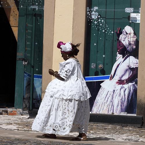 Brésil - Salvador de Bahia / Femme Costume Traditionnel