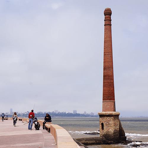Uruguay - Montevideo / Rambla Francia