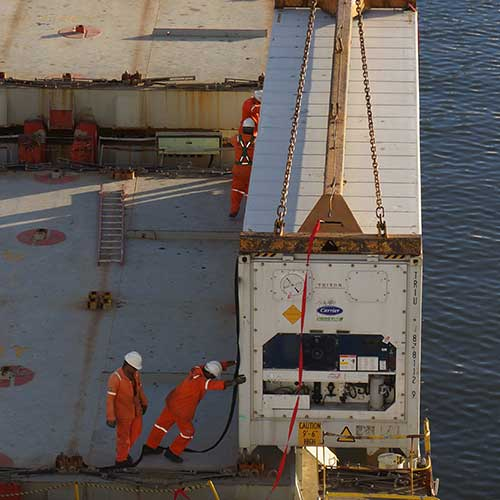 Cargo CMA-CGM Platon / Opérations de chargement