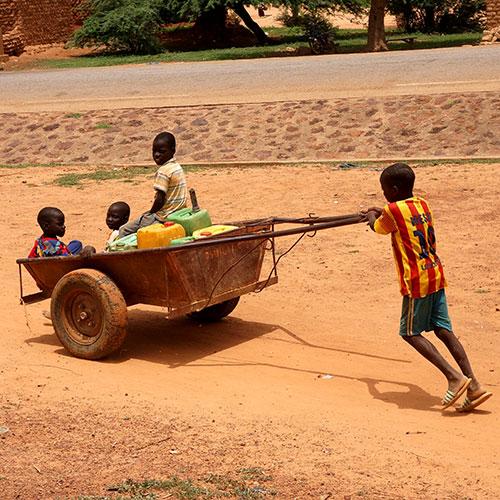 Burkina Faso - Bani - Corvée d'eau
