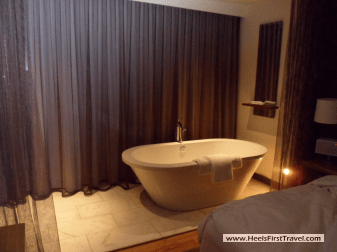 Andaz Napa King Loft Soaking Tub