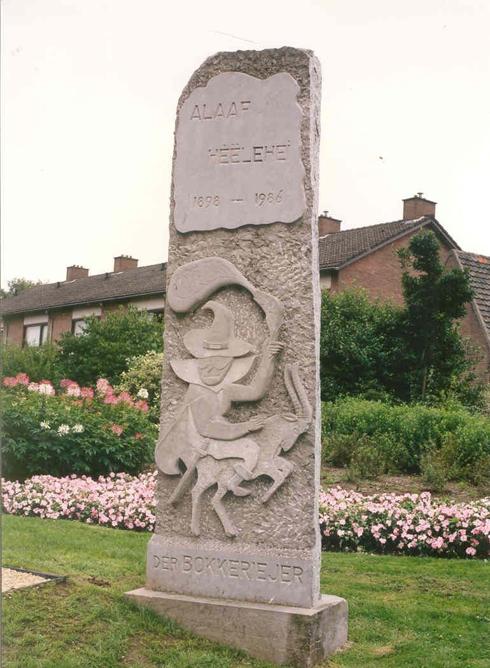 Bron: Hub Huijts | Bokkeriejer beeld in het parkje op de hoek Ganzeweide/Rennemigstraat (1986)