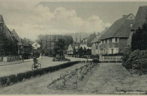 Bron: Rijckheyt.nl | Molenberglaan. Op de achtergrond het patronaat op de Molenberg.