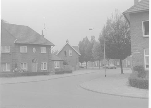 Bron: Rijckheyt.nl   Heerlerbaan Bergdriesch vanaf Corisbergweg 1977