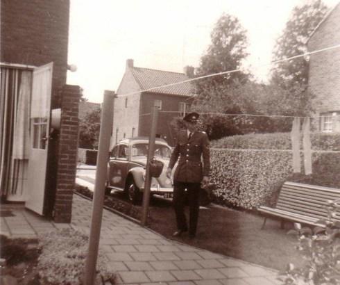 Gekleed in zomertenue mei 1964 | Bron: Pierre Lücker
