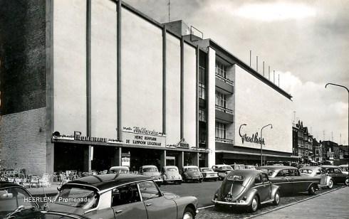 Bron: Rijckheyt.nl | Bron: Rijckheyt.nl | Grand Bazar, met links voor de ingang van de Hollandia bioscoop