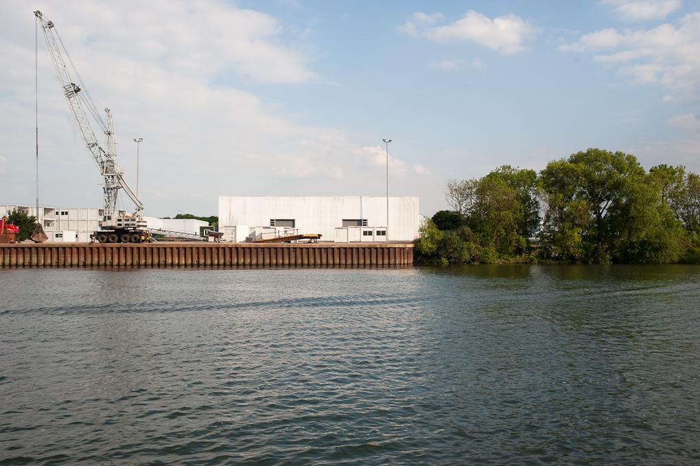 Le port angot, Cléon
