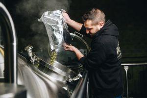 etape du brassage d'une biere à la brasserie Parisis.