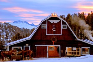 VenuePlease_CLazyU_Winter_Barn