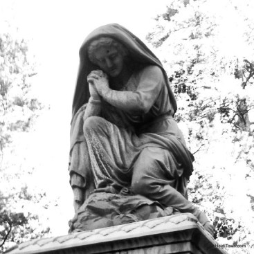 a statue in the Leadville Cemetery HeidiTown.com