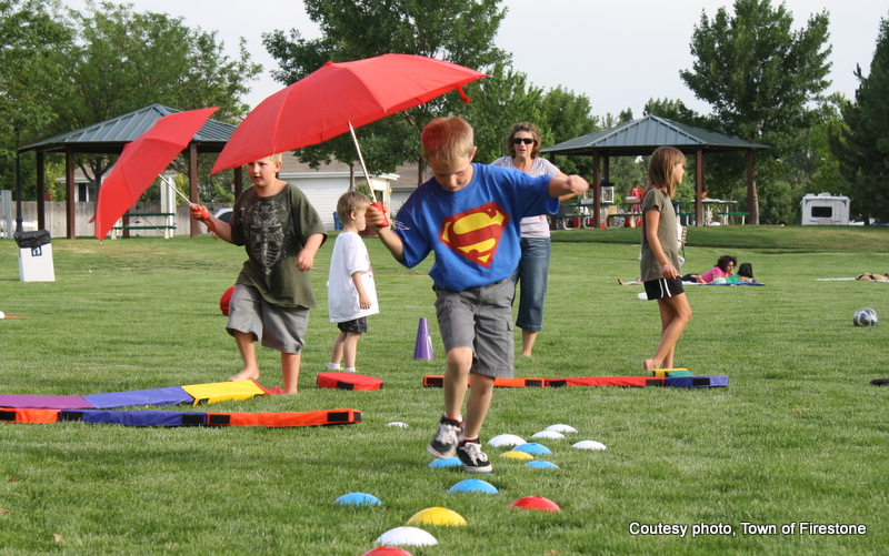 fun family fitness games at Food & Flick Friday in Firestone Colorado. HeidiTown.com