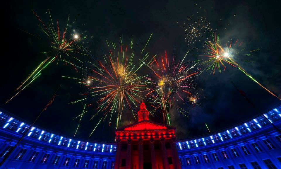 Blazen Illuminations the denver city building. Loveland Fire & Ice Festival. HeidiTown.com