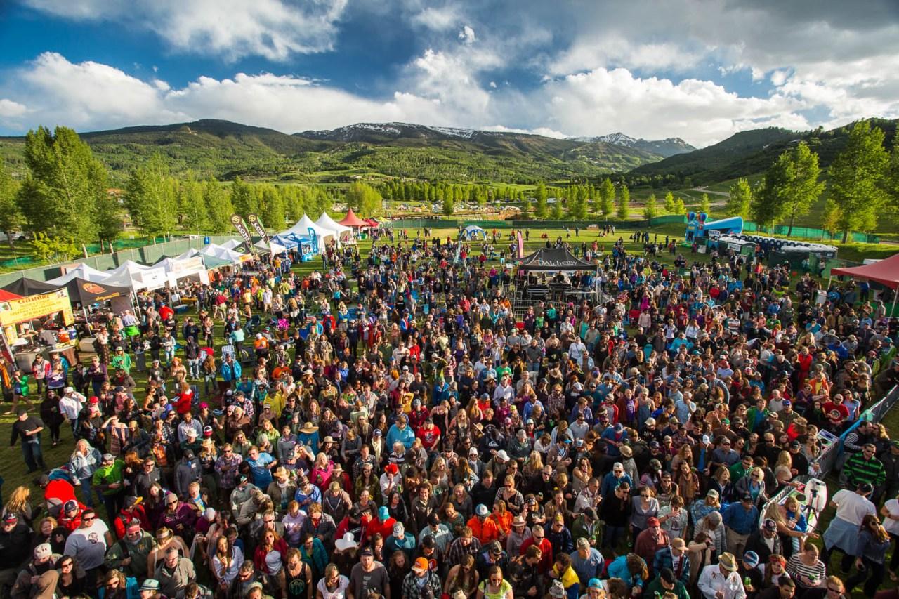festival-crowd-snowmass-mammoth-festival