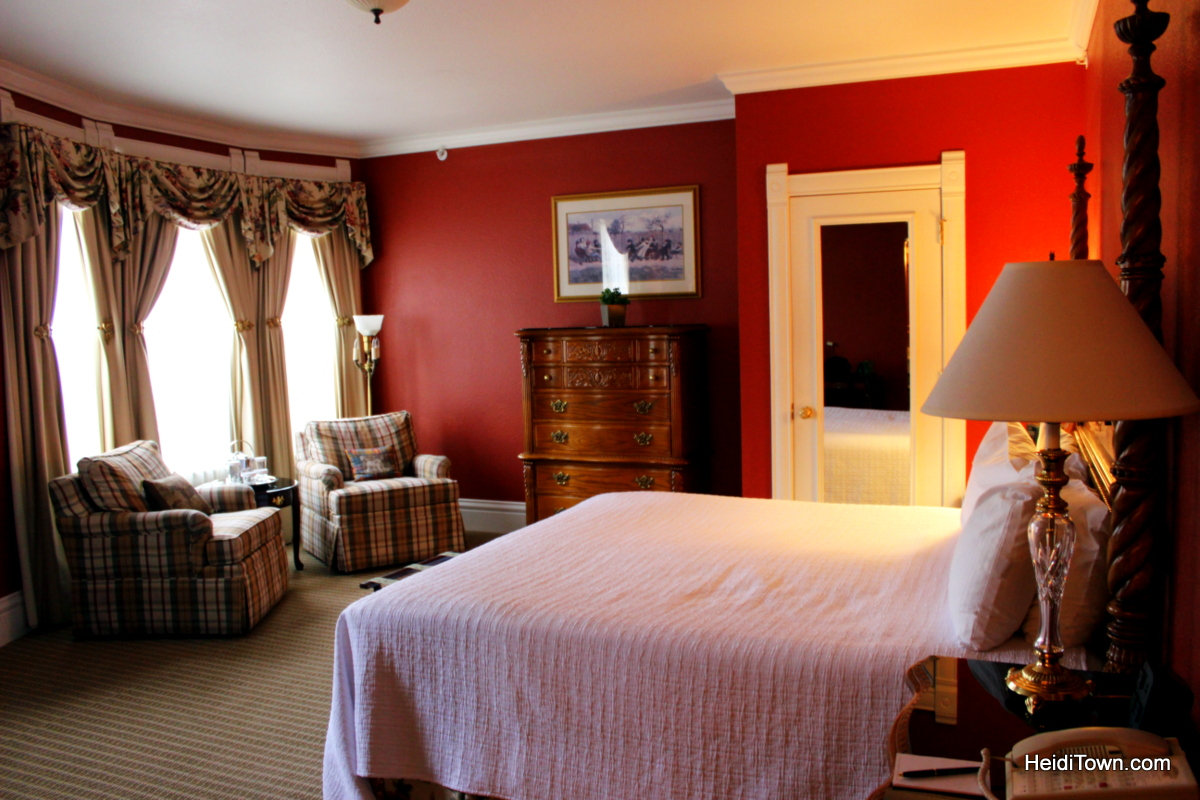 King Suite at The Cliff House at Pikes Peak. Unique lodging options in Colorado Springs. HeidiTown.com
