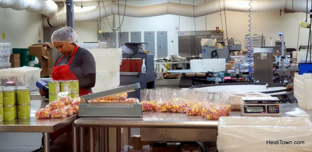 A Free Tour at Hammond's Candies aka Buying all the Candy. HeidiTown (5)