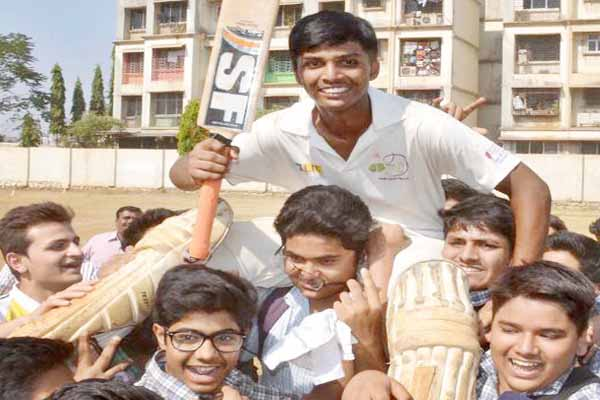 Teenager batsman made world record scripted 1009 scores at 323 deliveries.