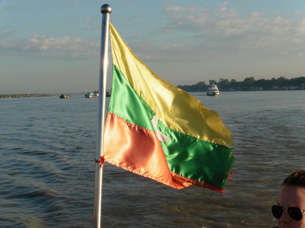 Myanmar Tag 5 - Bootsfahrt von Mandalay nach Bagan