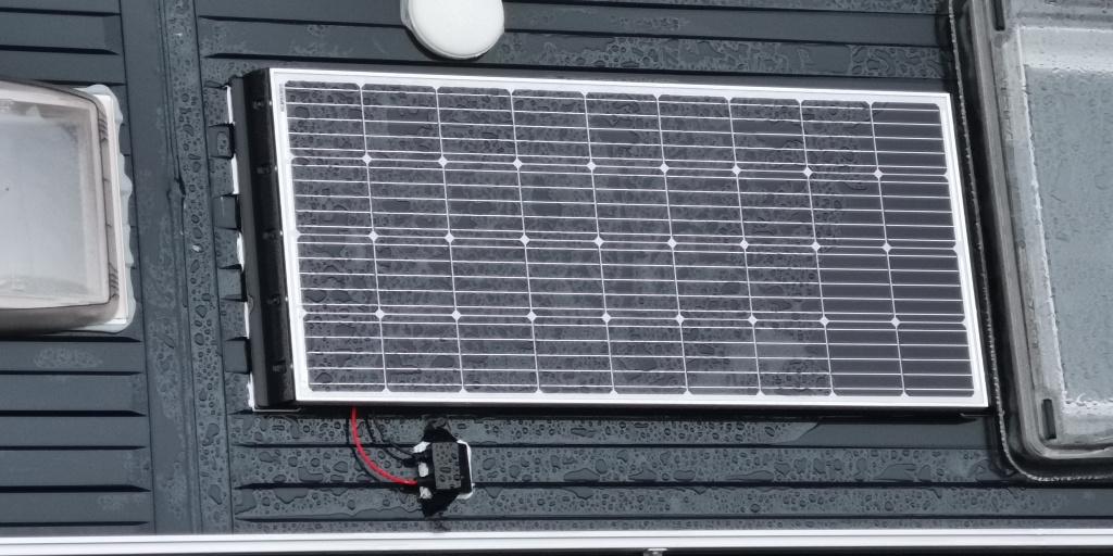 Solaranlage Adria Twin Supreme 640 SGX installieren