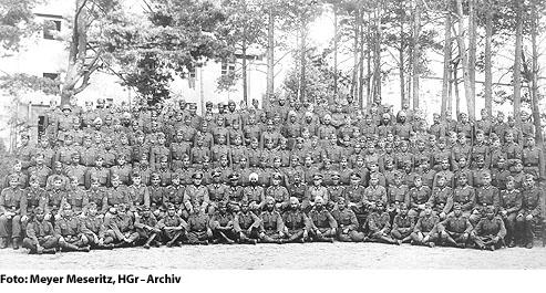 Gruppenbild indisches Regiment, Regenwurmlager