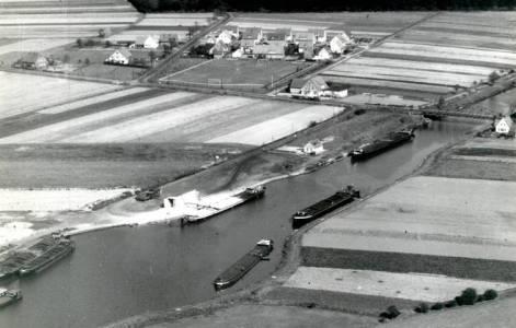 Düh99 000 1955LuftbSüdnachNord Hafen