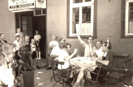 Mar08 036 1950RatskellerStackmann