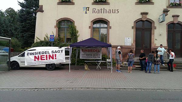 Infostand Einsiedel vor dem Rathaus