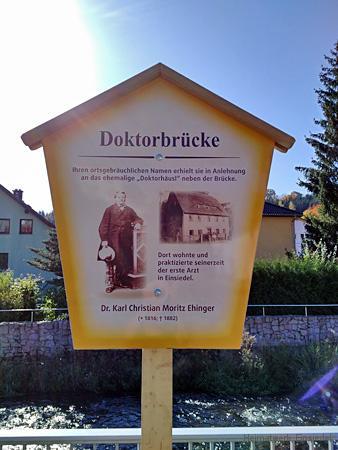 Historische Beschilderung an der Doktorbrücke in Einsiedel