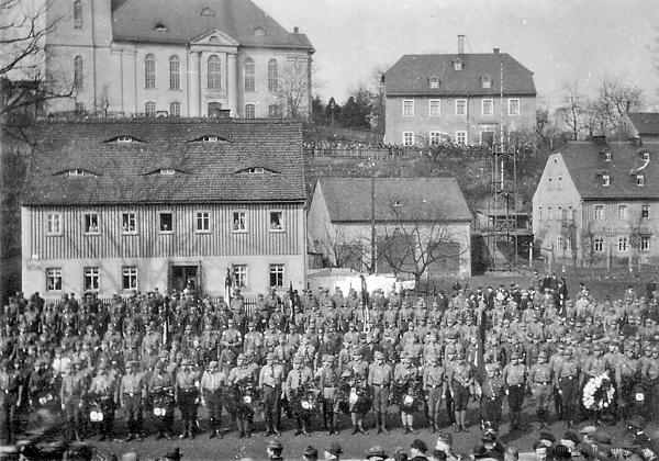 Am Plan 4 Trauerfeier Kurt Günther 23. März 1930