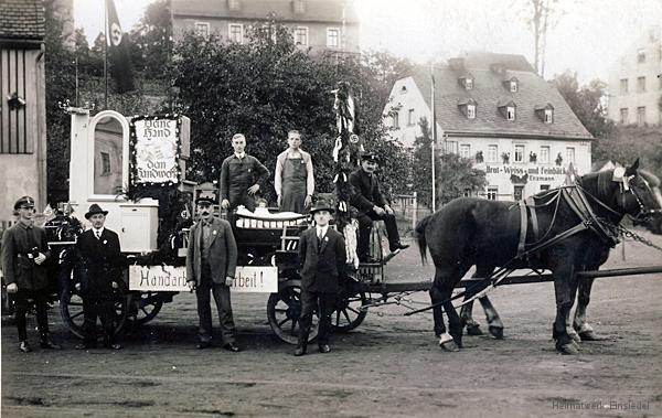 Festwagen Tischlerei Aurich auf dem Plan in Einsiedel