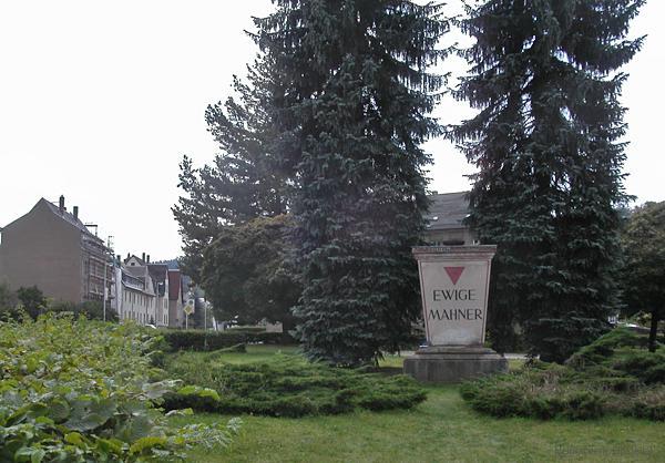 Denkmal August-Bebel-Platz Einsiedel 2004