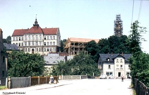 1961: Schulneubau und Neubau des Kirchturmes in Einsiedel
